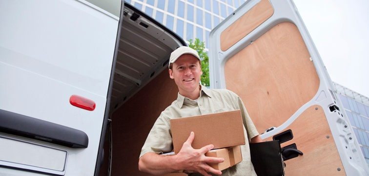 Customer_Service_courier_delivery_service_QCS_Logistics.jpg